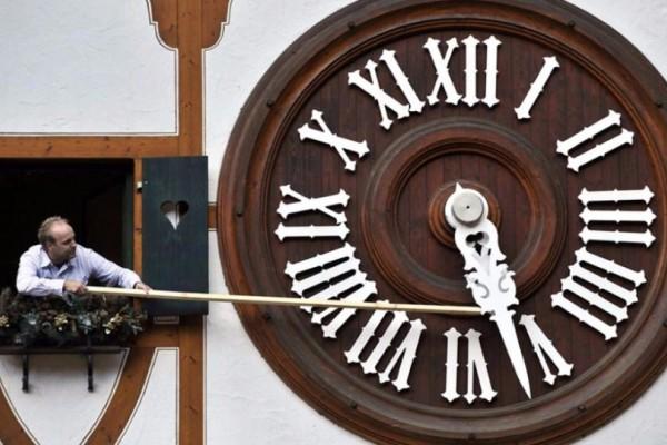 Αλλαγή ώρα σε χειμωρινή 2017: Πάμε τα ρολόγια μας μια ώρα μπροστά ή πίσω;