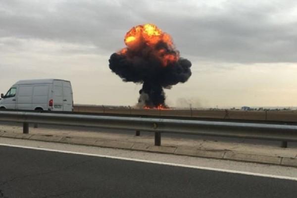 Εικόνες που σοκάρουν από τη μοιραία συντριβή του F-18 στη Μαδρίτη - Νεκρός ο πιλότος (Video)