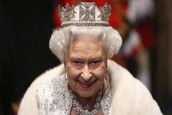 Μυστήριο: Για ποιο λόγο παραιτήθηκε όλο το προσωπικό της Βασίλισσας Ελισάβετ;