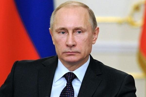 Θα μείνετε με το στόμα ανοικτό: Έχετε δει ποτέ την κούκλα κόρη του Πούτιν;