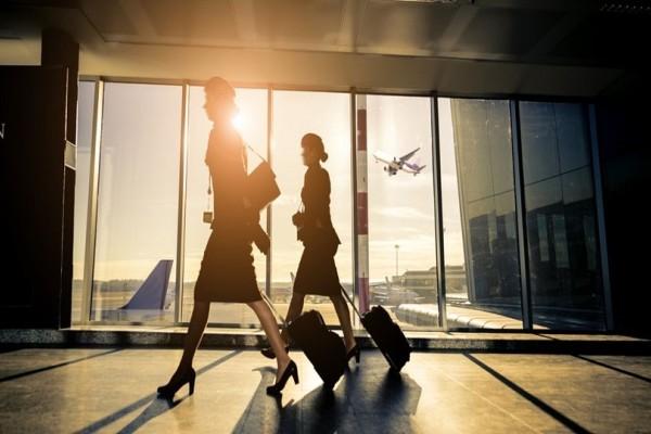 Καταγγελίες σοκ για πορνεία σε αεροσκάφη - Αεροσυνοδοί πουλάνε το κορμί τους σε επιβάτες έναντι χρημάτων