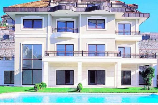 Ποιο νιόπαντρο ζευγάρι ηθοποιών δίνει 4.000 ευρώ ενοίκιο για αυτό το σπίτι;