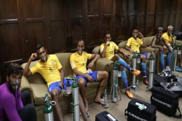 Απίστευτο: Με μάσκες οξυγόνου έφυγαν από το γήπεδο οι παίκτες της Εθνικής Βραζιλίας! Τι συνέβη;