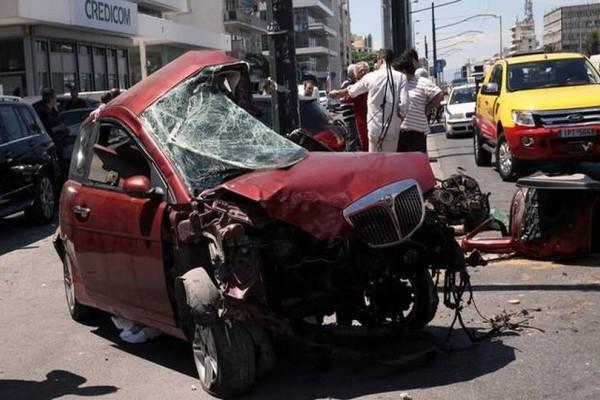 Φρικτό τροχαίο στην Αθήνα: Νεκρό 20χρονο παλικάρι!