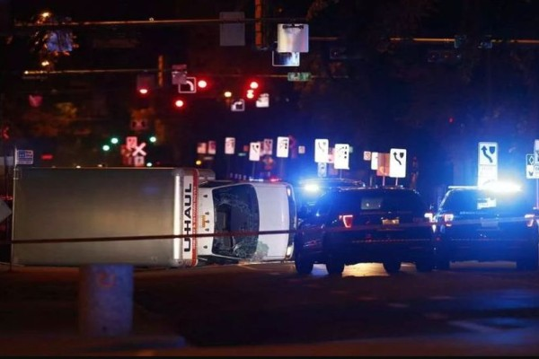 Πανικός στον Καναδά: Τρομοκράτης έπεσε με φορτηγό σε πεζούς! (photos+video)