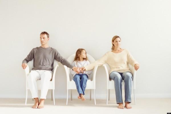 Η συν-επιμέλεια είναι πλέον γεγονός: Εναλλακτικά τα παιδιά στους γονείς τους!