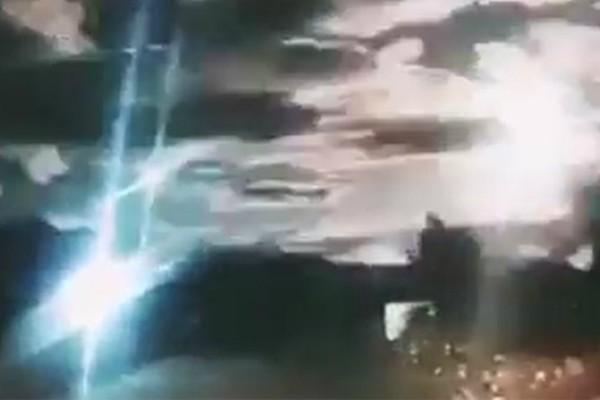 Απίστευτο θέαμα: Έκρηξη μετεωρίτη στον ουρανό της Κίνας (video)