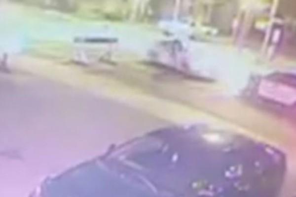 Βίντεο - σοκ: Η στιγμή που ο τρομοκράτης στον Καναδά παρασύρει και μαχαιρώνει αστυνομικό!