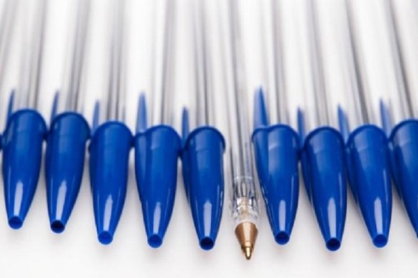 8a5de6f40d3 Γιατί τα στυλό έχουν μια τρύπα στο καπάκι τους; - Εσύ το γνώριζες; (
