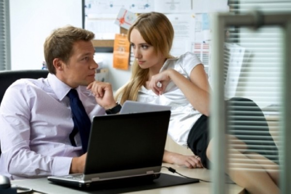 Αυτά είναι τα επαγγέλματα είναι είναι πιθανότερο να κάνουν έρωτα με συνάδελφό τους! - Τι αναφέρει έρευνα