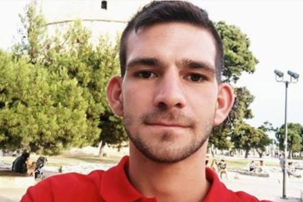 Ανείπωτος πόνος για την οικογενειακή τραγωδία στην Κρήτη: Σκότωσε τον αδελφό του στον ύπνο του! Το τελευταίο αντίο στα δύο αδέλφια