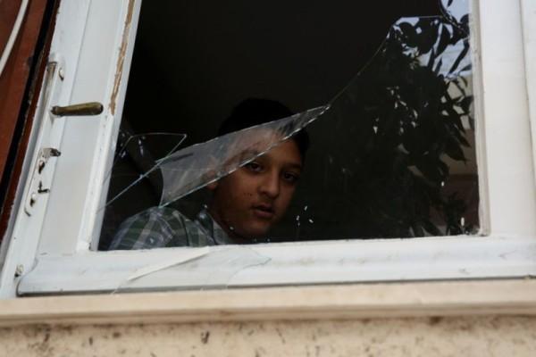 Εικόνες  ντροπής από το σπίτι του μικρού Αμίρ που θα κρατούσε τη σημαία την 28η Οκτωβρίου! Τα έκαναν γυαλιά- καρφιά (photo)