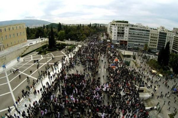Με... νεκρούς πλημμύρισε το κέντρο της Αθήνας! (photos)