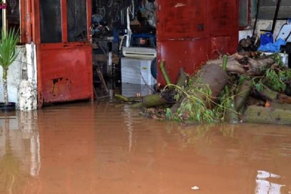 Αργολίδα: Πλημμύρισαν σπίτια και καταστήματα από την καταρρακτώδη βροχή! (Photo)
