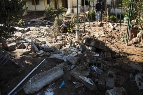 Μάνδρα: Μια ερειπωμένη πόλη 10 μέρες μετά την απόλυτη καταστροφή! (photos)