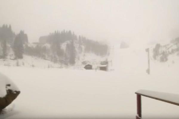 Φανταστικές εικόνες: Έπεσαν τα πρώτα χιόνια στη Νότια Γαλλία! (Video)
