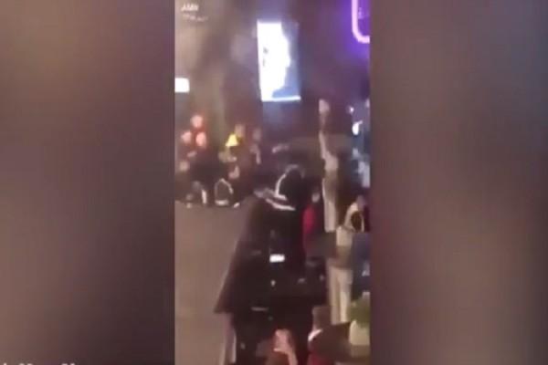 Άγριο ξύλο και επεισόδια μεταξύ οπαδών στο Λίβερπουλ! (Video)