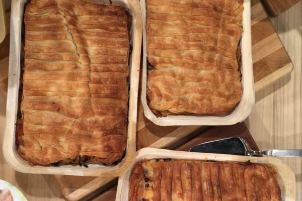 Πίτα με μανιτάρια και γραβιέρα και πίτα με λαχανικά, βασιλικό και μοτσαρέλα!