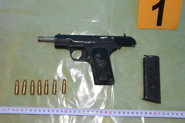 Φωτογραφία - ντοκουμέντο: Μ' αυτό το όπλο δολοφόνησαν τον Μιχάλη Ζαφειρόπουλο! (photos)