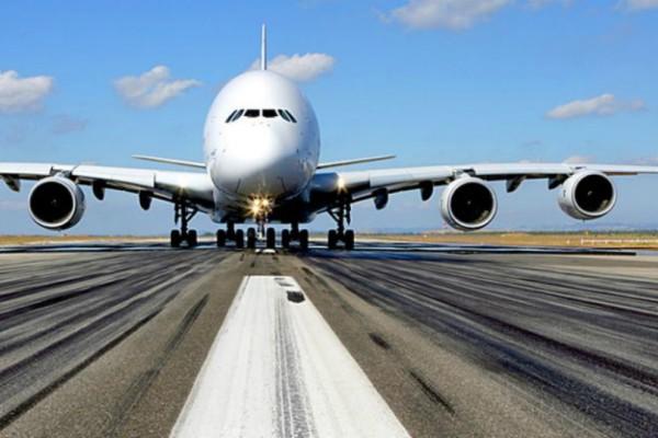 Μια... «κολασμένη» πτήση: Ασυγκράτητη 48χρονη έκανε στοματικό έρωτα σε 28χρονο μέσα σε αεροσκάφος! (Photo)