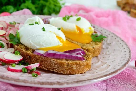 Αυγό ποσέ στο φούρνο μικροκυμάτων!