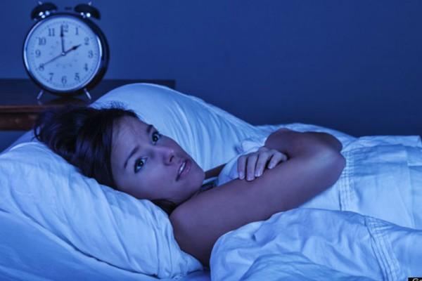 Μήπως ξυπνάς μέσα στη νύχτα;  Μάθε γιατί και αντιμετώπισε το!