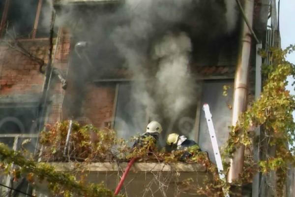 Χανιά: Στις φλόγες τυλίχθηκε σπίτι στην περιοχή Νέα Χώρα (Photos)
