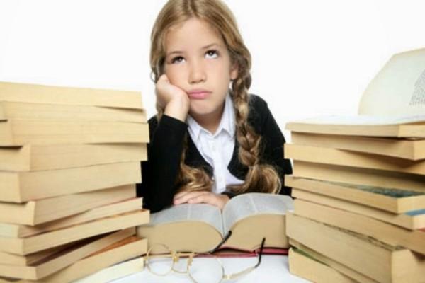 Γονείς δώστε βάση: Πώς θα κάνετε τα παιδιά σας να αγαπήσουν τα βιβλία!