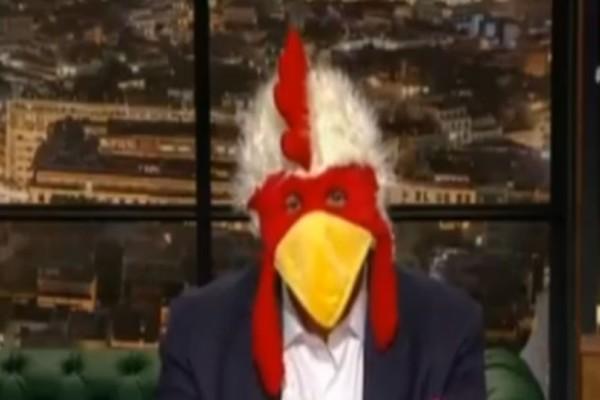 «Late Night»: Ο Γιώργος Λιάγκας «ξέσκισε» τον Γρηγόρη Αρναούτογλου! Το κεφάλι… κότας και οι νέες σπόντες για τον παρουσιαστή! (video)
