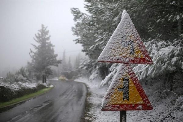 Επιδείνωση του καιρού με χιονοπτώσεις: Σε ποιες περιοχές θα το