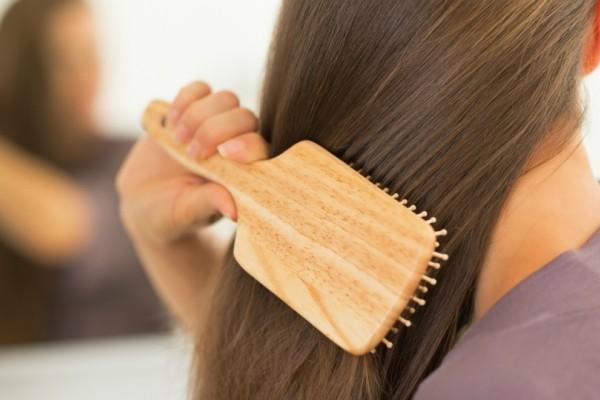 Κάνε τα μαλλιά σου να λάμπουν σε λιγότερο από 5 λεπτά!