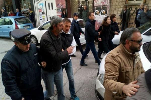 Ιωάννινα:Επεισόδια και συλλήψεις σε διαμαρτυρία απολυμένων έξω από σούπερ μάρκετ