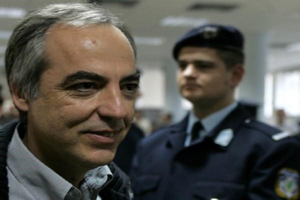 Τσουνάμι αντιδράσεων από τον πολιτικό κόσμο έχει προκαλέσει η 48ωρη άδεια του Δημήτρη Κουφοντίνα από τη φυλακή