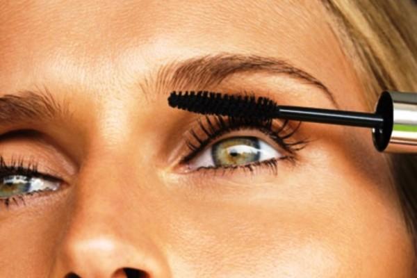 Φτιάξε μόνη σου μάσκαρα και μαγνήτισε με το βλέμμα σου!