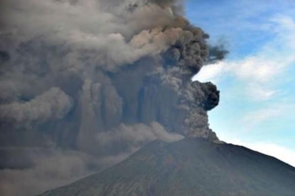 Έκρηξη του ηφαιστείου Agung στο Μπαλί (βίντεο)