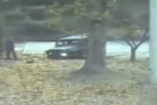 Ένα απίστευτο βίντεο: Βορειοκορεάτης στρατιώτης επιχειρεί να διαφύγει και δέχεται πυρά!