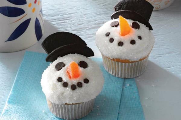 Αυτά τα cupcakes-χιονάνθρωποι θα φέρουν τα Χριστούγεννα στο σπίτι σου!