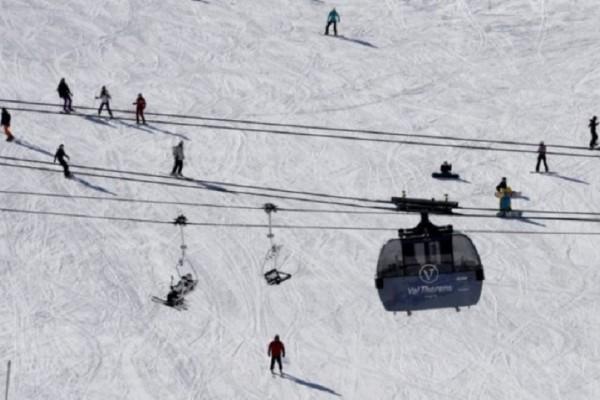 Απίστευτη διάσωση: 150 σκιέρ είχαν εγκλωβιστεί σε τελεφερίκ στις γαλλικές Άλπεις! (Video)