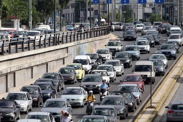 Απίστευτη ταλαιπωρία για τους οδηγούς! - Κυκλοφοριακό χάος στην Αθήνα!