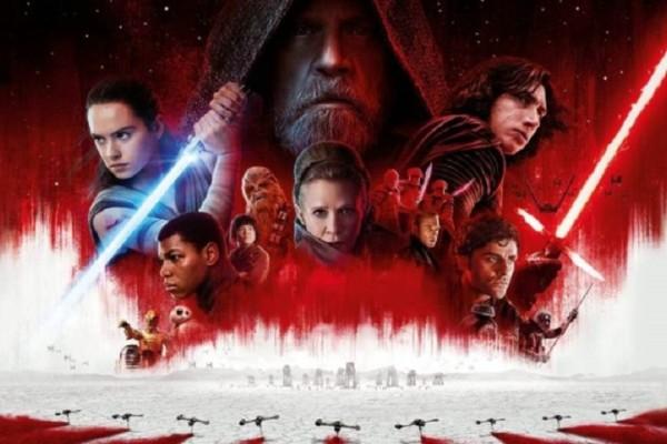 Το νέο «Star Wars» παραμένει στην κορυφή του αμερικανικού box office
