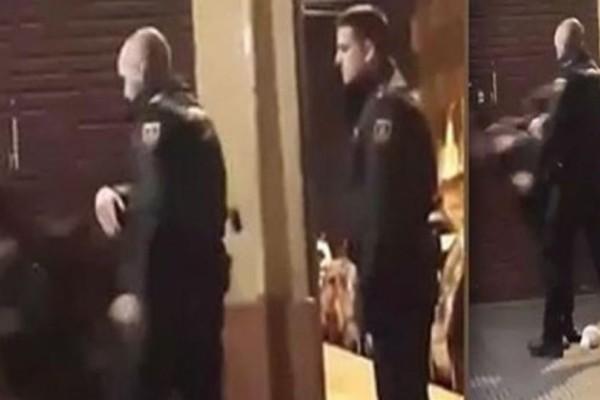 Βίντεο - σοκ: Αστυνομικός χαστουκίζει στη μέση του δρόμου ανυπεράσπιστη γυναίκα!