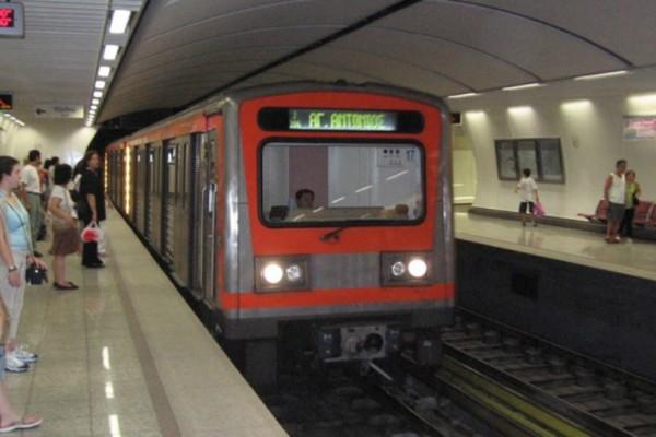 Μεγάλη προσοχή: Για να μη χάσετε το τραμ αλλά και το... μετρό το τελευταίο δείτε εδώ τα δρομολόγια!