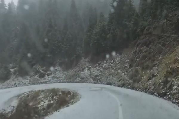 Στα λευκά «ντύθηκε« και η ορεινή Ναυπακτία! (Video)