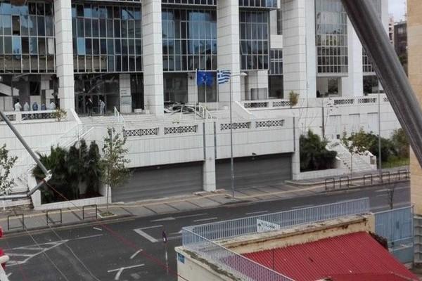 Έκρηξη στο Εφέτειο: Βρέθηκε το αυτοκίνητο των τρομοκρατών;