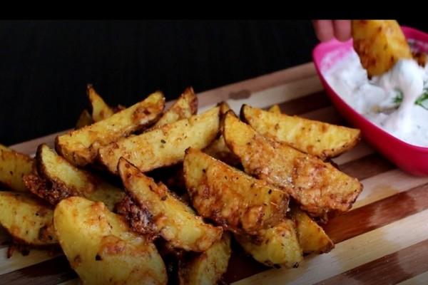 Μια υπέροχη συνταγή: Πατάτες με μπέικον και παρμεζάνα!
