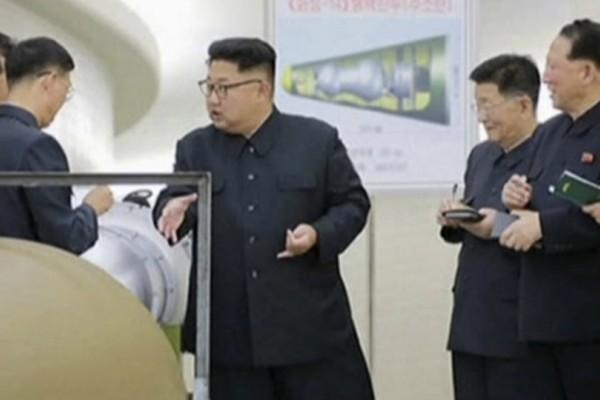 Παγκόσμια ανησυχία ότι ο Κιμ θα «πατήσει το κουμπί» νέου πυραύλου στην επέτειο θανάτου του πατέρα του!