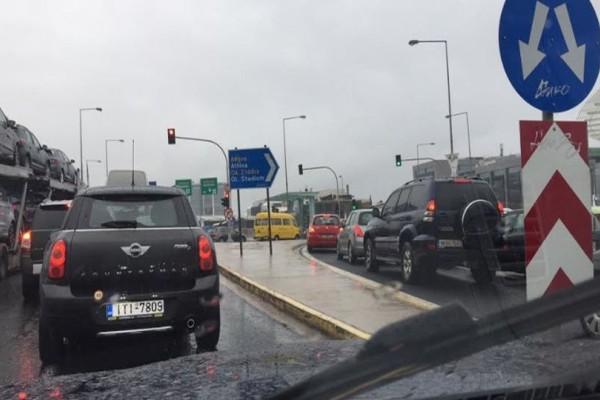 Κυκλοφοριακό χάος στην Αθήνα λόγω κακοκαιρίας!