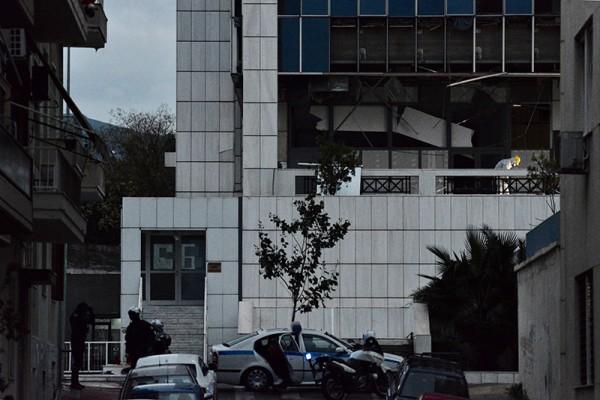 Ισχυρή έκρηξη βόμβας στο Εφετείο Αθηνών! (photos+video)