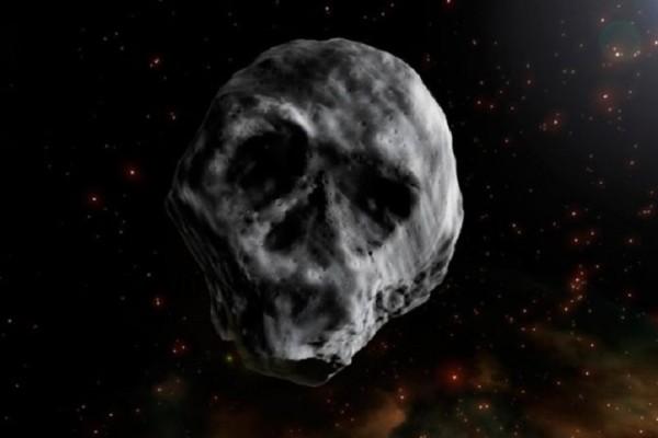 Συγκλονιστικό βίντεο: Η διαστημική νεκροκεφαλή επισκέπτεται ξανά την Γη!