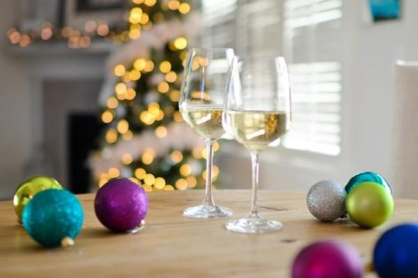 Η επιστήμη μίλησε: 7 λόγοι για τους οποίους πρέπει να πιείτε σαμπάνια στις γιορτές!